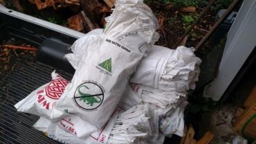 Bundles of 25 bags.