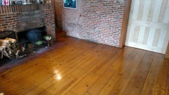 Linseed-oiled floor.